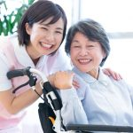 介護度の進行と介護の負荷は比例。共倒れにならないために施設を利用する。【介護施設探しの体験談】