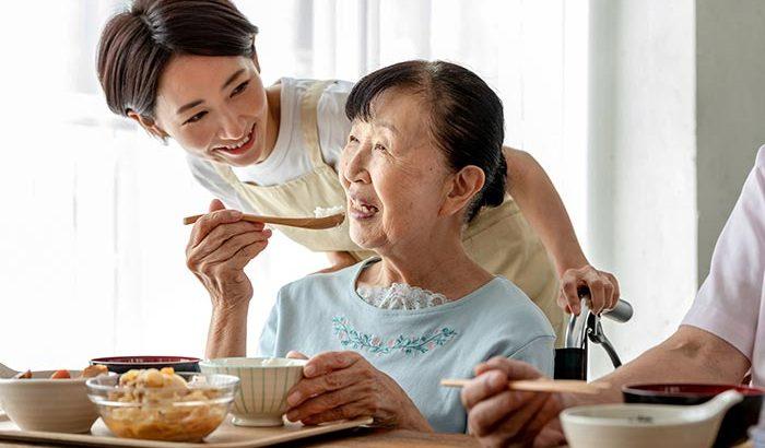 施設への家族の協力は入居者の満足感につながっていく【介護施設探しの体験談】