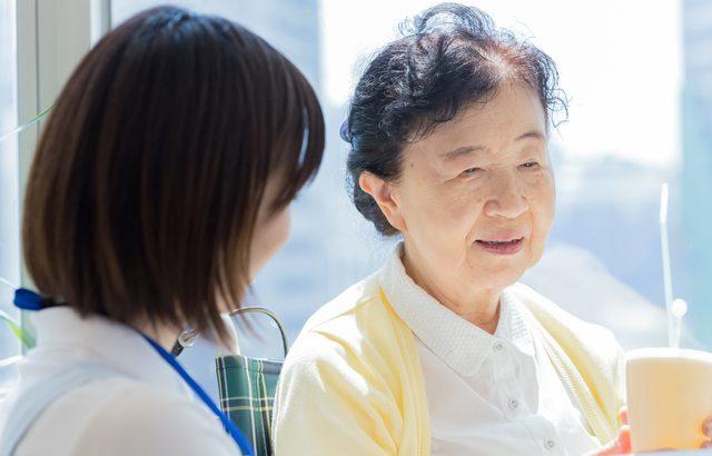 高齢になって施設に入居する場合は、入居金不要の月払いシステムが向いている【介護施設探しの体験談】