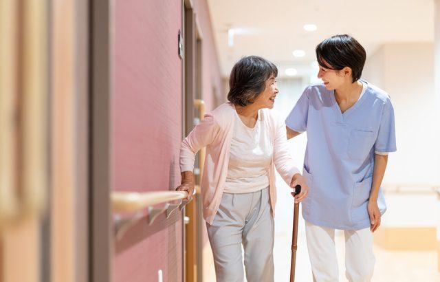 高齢者施設を探すときには、その種類や違いを理解することから始めよう【介護施設探しの体験談】