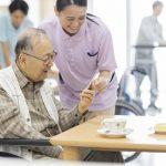 施設へ入居したことで祖父も家族も安心。他の入居者との交流イベントも刺激に【介護施設探しの体験談】