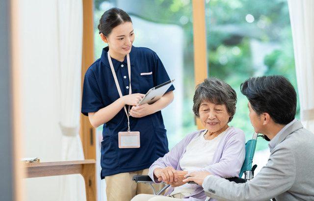 介護される人のことを考えれば、専門家が近くにいる環境がおすすめ【介護施設探しの体験談】