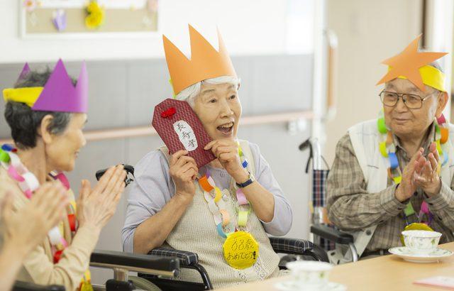 認知症の祖母は自分がなぜ施設にいるのか理解できず混乱することも【介護施設探しの体験談】
