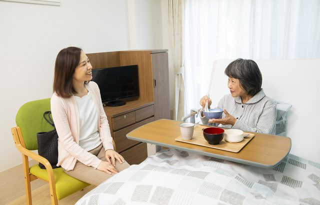 良好な家族関係の維持、本人が快適に過ごすために、介護施設への入居はおすすめ【介護施設探しの体験談】
