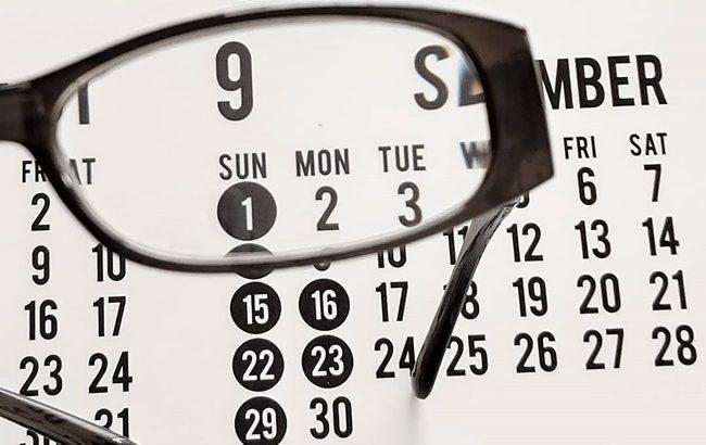 普段使いも非常用持ち出し袋に入れておくのにも便利!100均で機能的な老眼鏡を発見【体験談】
