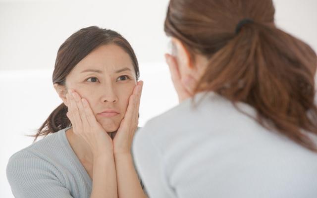 美容液に、皮膚科処方の塗り薬、気になるシミが一番目立たなくなったのは?【体験談】