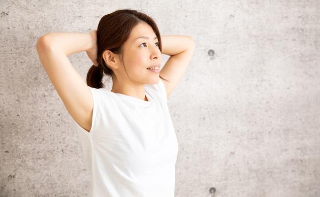 いすに座ったままでできる3つの腹筋運動で腰痛解消!【体験談】