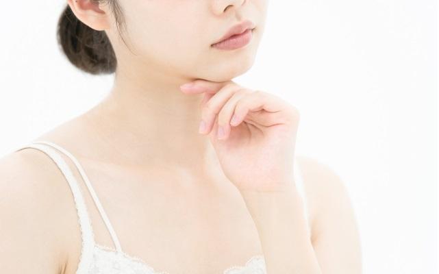 たった5年で顔が激変!顔のたるみを解消する「顔トレ」実践中【体験談】