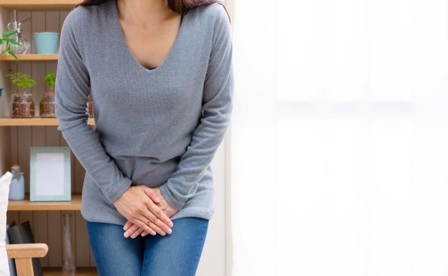 尿漏れに悩む女性